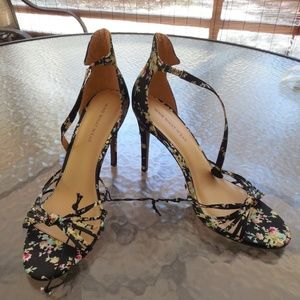 """WOMENS STRAPPY FLORAL 4"""" HIGH HEEL SHOES SIZE 9"""